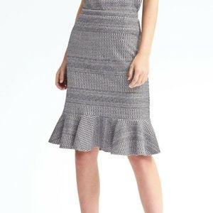 Banana Republic Knit Jacquard Flounce Skirt 6 Tall